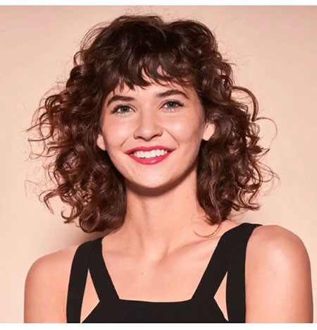 Messy-Short-Curly-Hair Popular Short Curly Hairstyles 2018 – 2019