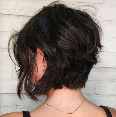 Messy-Stacked-Bob Short Bob Haircuts 2019