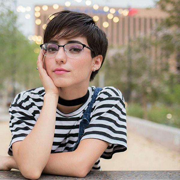 Pixie-Cut-with-Glasses Best Pixie Cut 2019