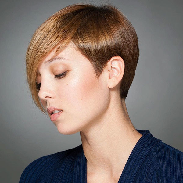Pixie-Cut-with-Long-Side-Bangs Best Pixie Cut 2019