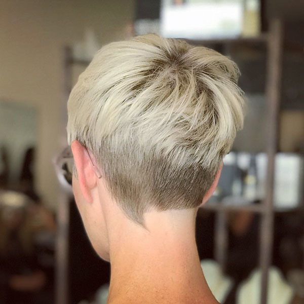 Platinum-Blonde-Layered-Pixie-Hair Best Pixie Cut 2019