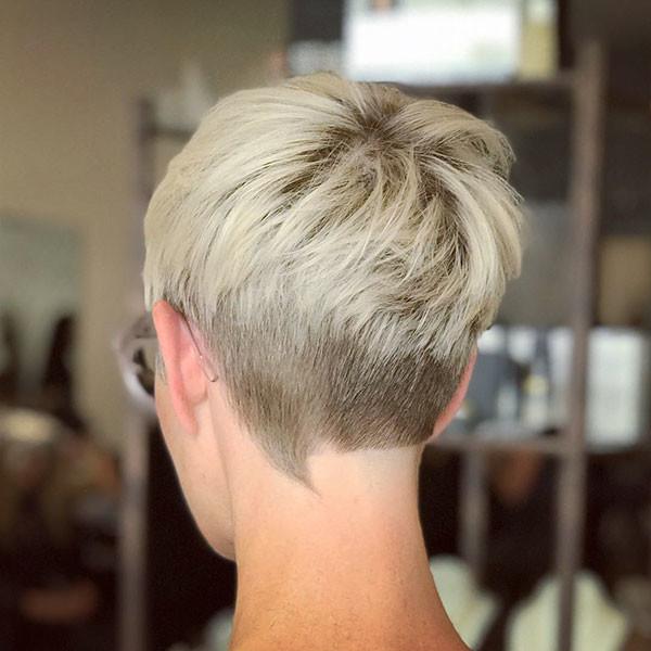 Platinum-Blonde-Layered-Pixie-Hair Best Pixie Cut 2019