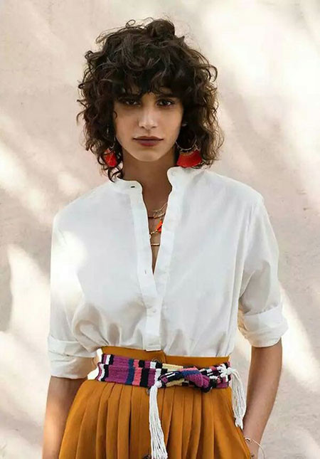 Short-Curly-Hairstyles-2019 Popular Short Curly Hairstyles 2018 – 2019