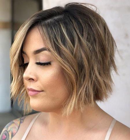 Short-Layered-Bob-Hairstyle Popular Short Haircuts 2018 – 2019