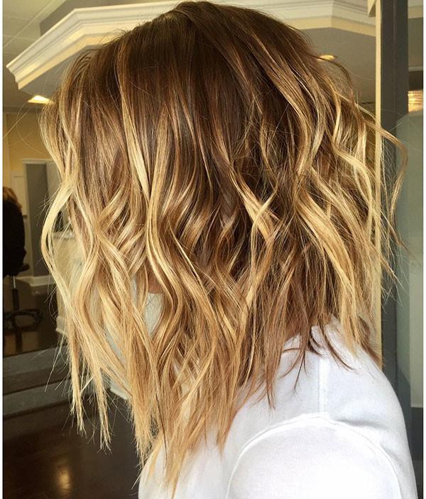 Short-Layered-Wavy-Hair-1 Popular Short Wavy Hairstyles 2019