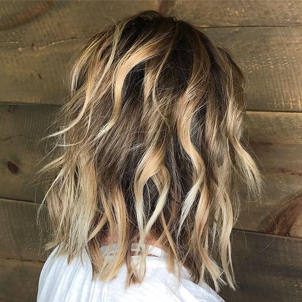 Short-Wavy-Dark-Blonde-Hair Popular Short Wavy Hairstyles 2019