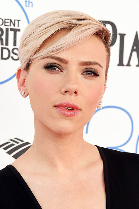 Side-Swept-Bangs Scarlett Johansson Short Hairstyles