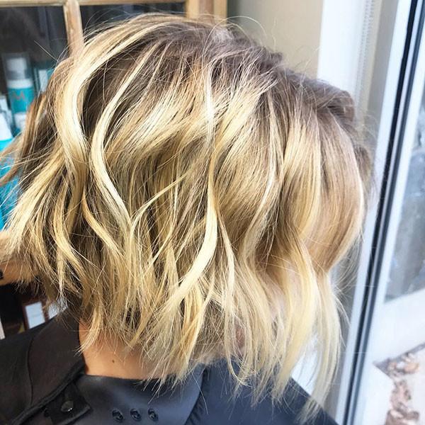 Wavy-Shaggy-Hair Popular Short Wavy Hairstyles 2019