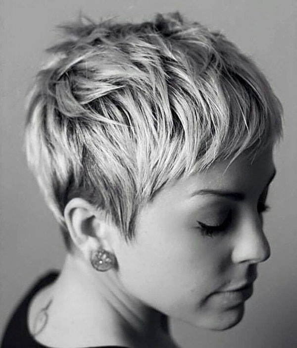 17-layered-pixie-cut New Pixie Haircut Ideas in 2019