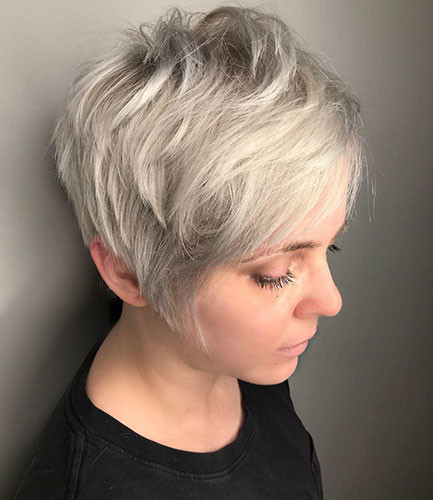 53-short-layered-hair-with-side-bangs Best New Short Hair with Side Swept Bangs