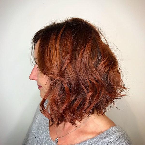 9-short-wavy-hair-women Best Short Wavy Hair Ideas in 2019