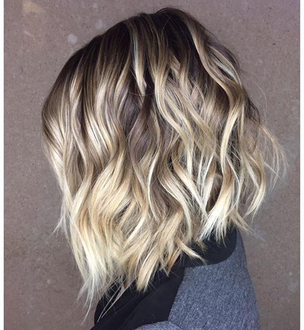 Blonde-Bob-with-Dark-Brown-Roots Best Short Wavy Hair Ideas in 2019