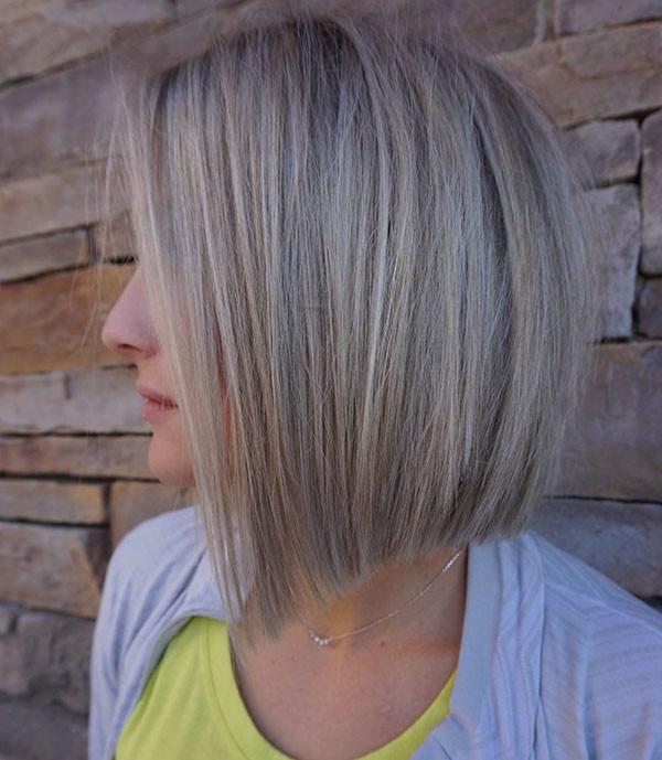 Blunt-Medium-Bob Popular Short Hairstyles for Fine Hair