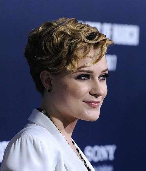 Celebrity-Short-Wavy-Curly-Hair Short Haircuts for Wavy Hair
