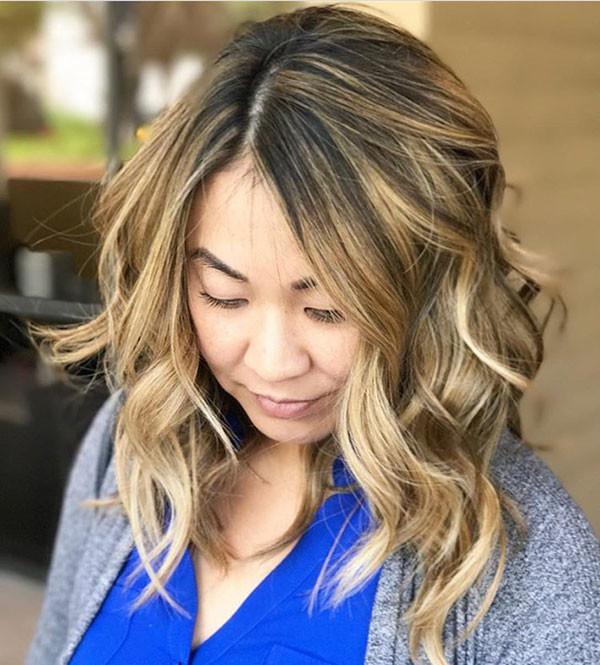 Curly-Wavy-Hair Best Short Wavy Hair Ideas in 2019