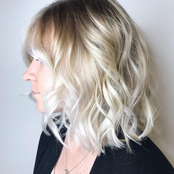 Hot-Wavy-Bob Best Short Wavy Hair Ideas in 2019