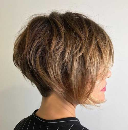 Layered-Short-Haircut Pixie Bob Haircuts for Neat Look