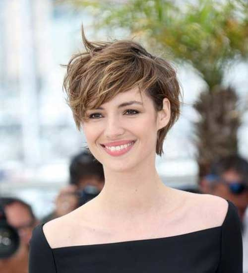 Long-Pixie-Hair-Style Attractive Pixie Haircuts for Beautiful Women