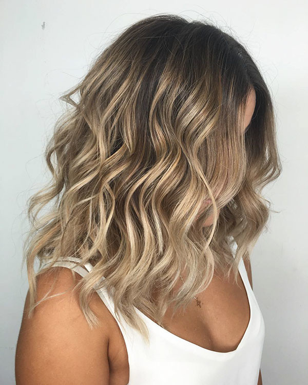 Loose-Waves-Bob New Short Blonde Hairstyles