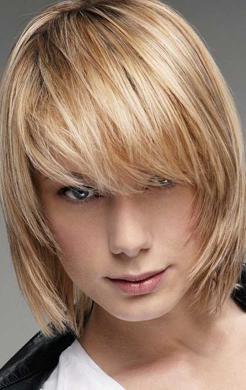 Medium-Layered-Bob-Cut-for-Fine-Hair Short Straight Hairstyles for Fine Hair
