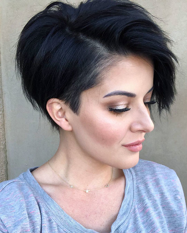 Pixie-Bob-Cut Popular Short Hairstyles for Fine Hair