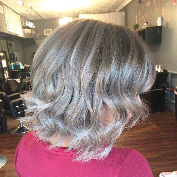 Soft-Wavy-Hair New Best Short Haircuts for Women
