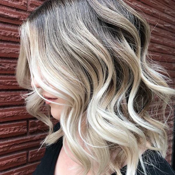 Wavy-Blonde-Lights Best Short Wavy Hair Ideas in 2019