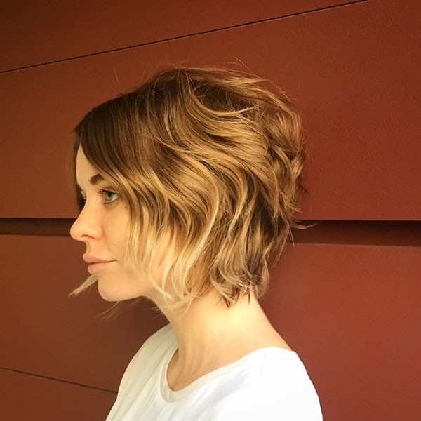 Wavy-Graduated-Hair New Cute Short Hairstyles