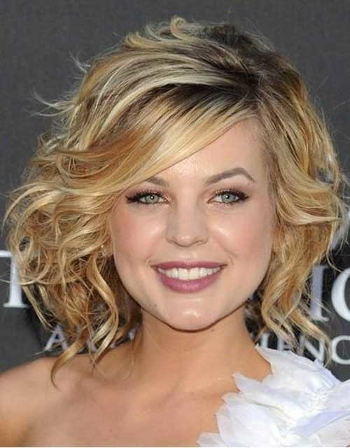 short-hairstyles-wavy-hair-2012 Short Haircuts for Wavy Hair