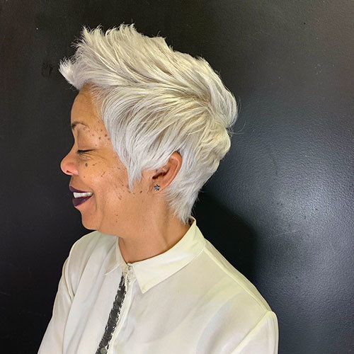 14-pixie-haircuts-for-older-women Beautiful Pixie Cuts for Older Women 2019