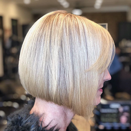26-blonde-bob-with-bangs Famous Blonde Bob Hair Ideas in 2019