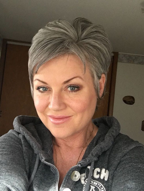 30-pixie-haircuts-for-older-women Beautiful Pixie Cuts for Older Women 2019