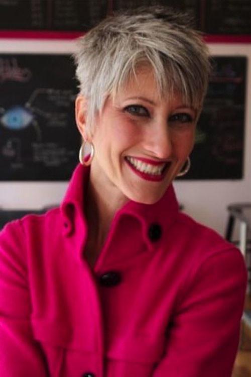 31-short-pixie-haircuts-for-older-women Beautiful Pixie Cuts for Older Women 2019