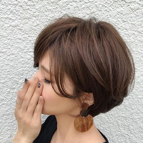 33-short-layered-bob-with-side-bangs Best Short Layered Bob With Bangs