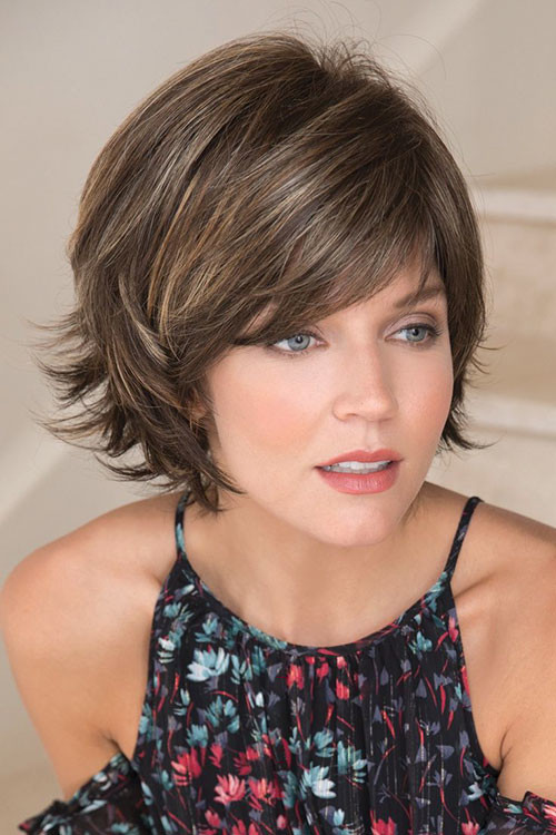 35-short-layered-bob-with-side-bangs Best Short Layered Bob With Bangs