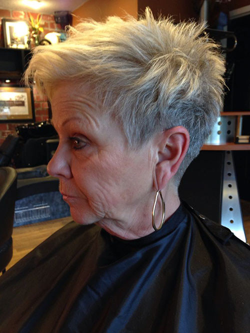 46-pixie-hairstyles-for-older-women Beautiful Pixie Cuts for Older Women 2019