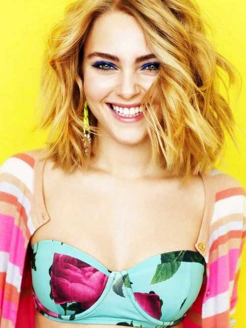 AnnaSophia-Robb-Wavy-Ombre-Hair-with-Bob-Style Beautiful Ombre Bob Hairstyles