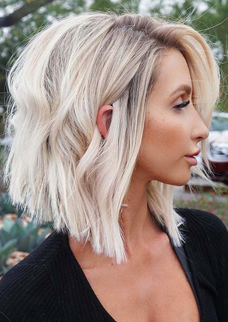 Beautiful-Bob-Hairstyle Popular Short Blonde Hair 2019