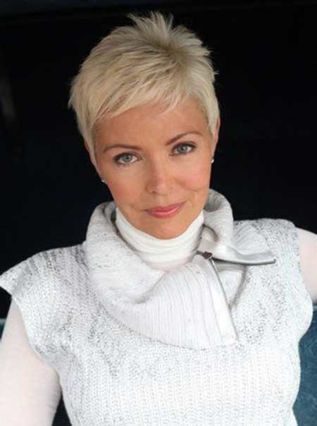Boyish-Layered-Messy-Pixie-Haircut Short Pixie Cuts for Women