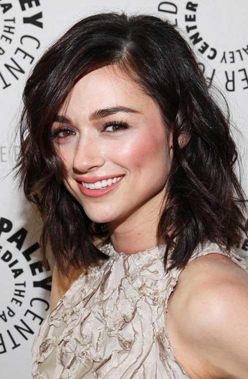Cute-Dark-Short-Medium-Hairstyle Cute Medium Short Haircuts