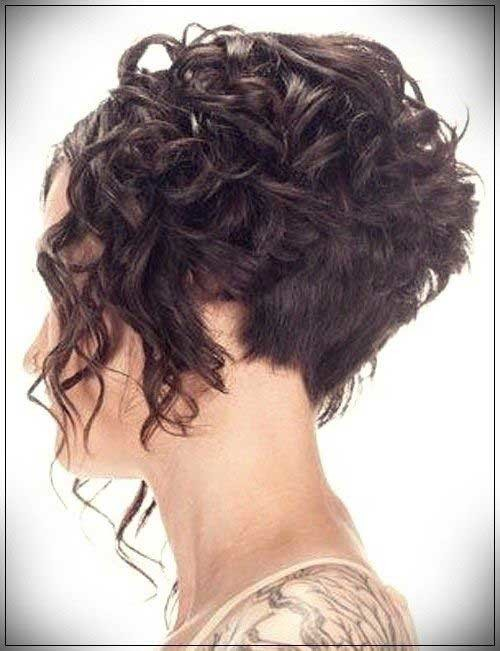 Graduation-Haircut-1 Cute Curly Short Hairstyles for Ladies