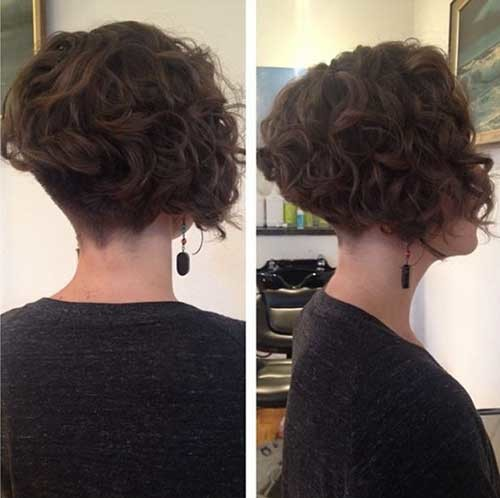 Inverted-Short-Curly-Hair Cute Curly Short Hairstyles for Ladies