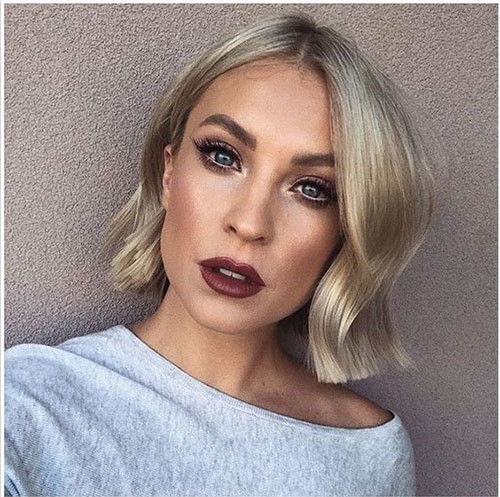 Loose-Waves Latest Short Haircuts for Women 2019