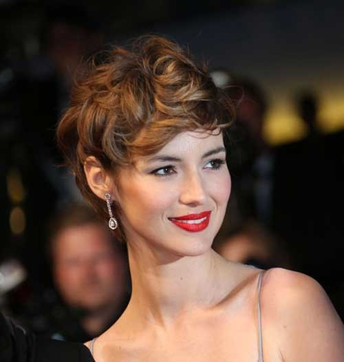 Louise-Bourgoin-French-Short-Haircut Really Adorable French Style Short Haircuts