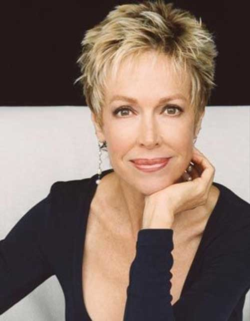 Messy-Short-Blonde-Hair-for-Women-Over-50 Short Hair Styles For Women Over 50
