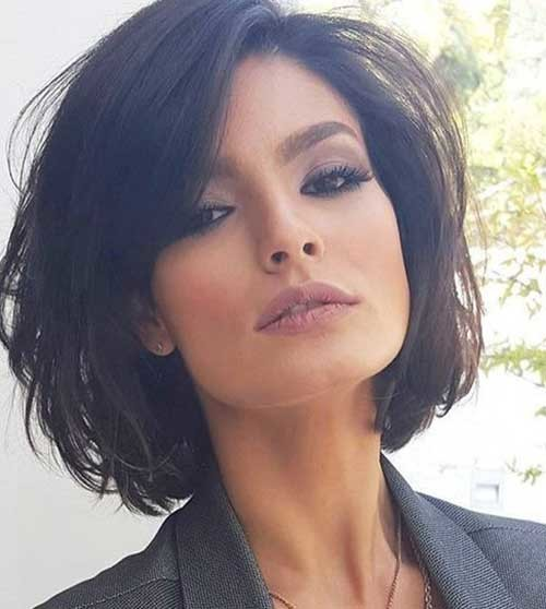 Modern-Layered-Bob-Hairstyle Chic and Eye-Catching Bob Hairstyles