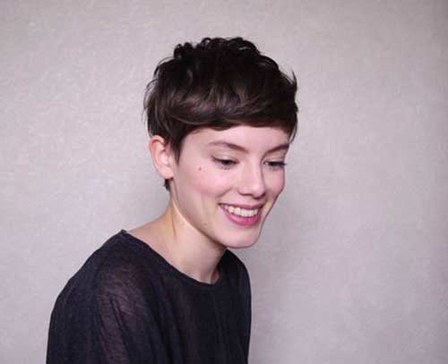 Short-Dark-Hair-French-Style Really Adorable French Style Short Haircuts