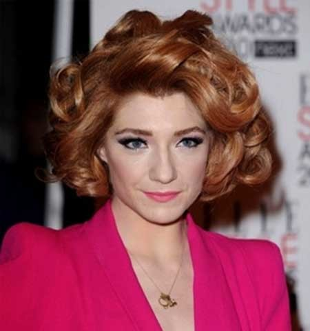 Short-Messily-Curled-In-Hairstyle-for-Girls Short Styles for Curly Hair