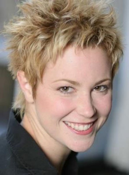 Short-Pointy-Blonde-Pixie Short Hair for Older Women