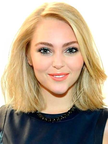 Short-Straight-Blonde-Beautiful-Bob Beautiful Short Celebrity Hairstyles